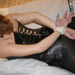 fetisch partner hände gefesselt